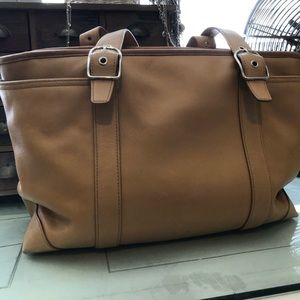 🌺Coach Leather Tan Bag